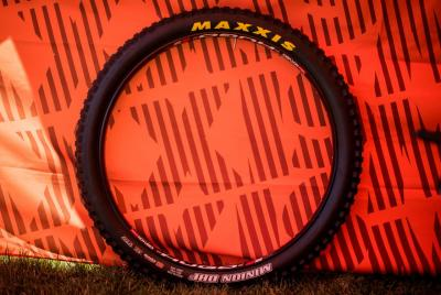 maxxis minion 29x3 _2.jpg